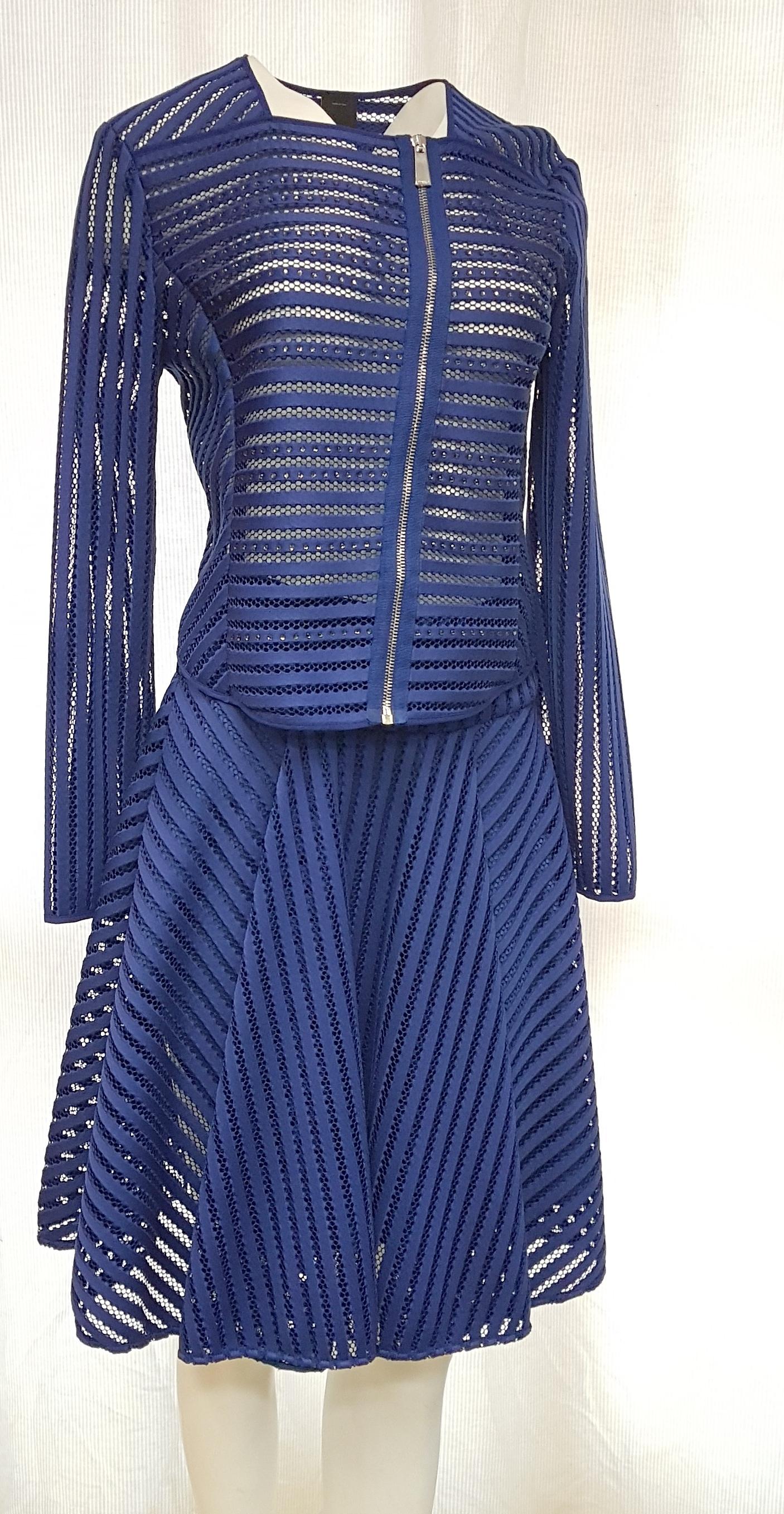 88e559e31ce Лот 409. Женская фирменная одежда. — ООО