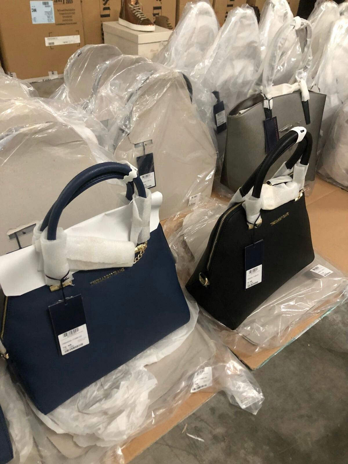 Лот 451. Фирменные женские сумки мелким оптом. — ООО