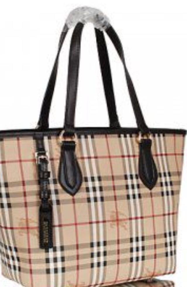Лот 492. Женские фирменные сумки. — ООО